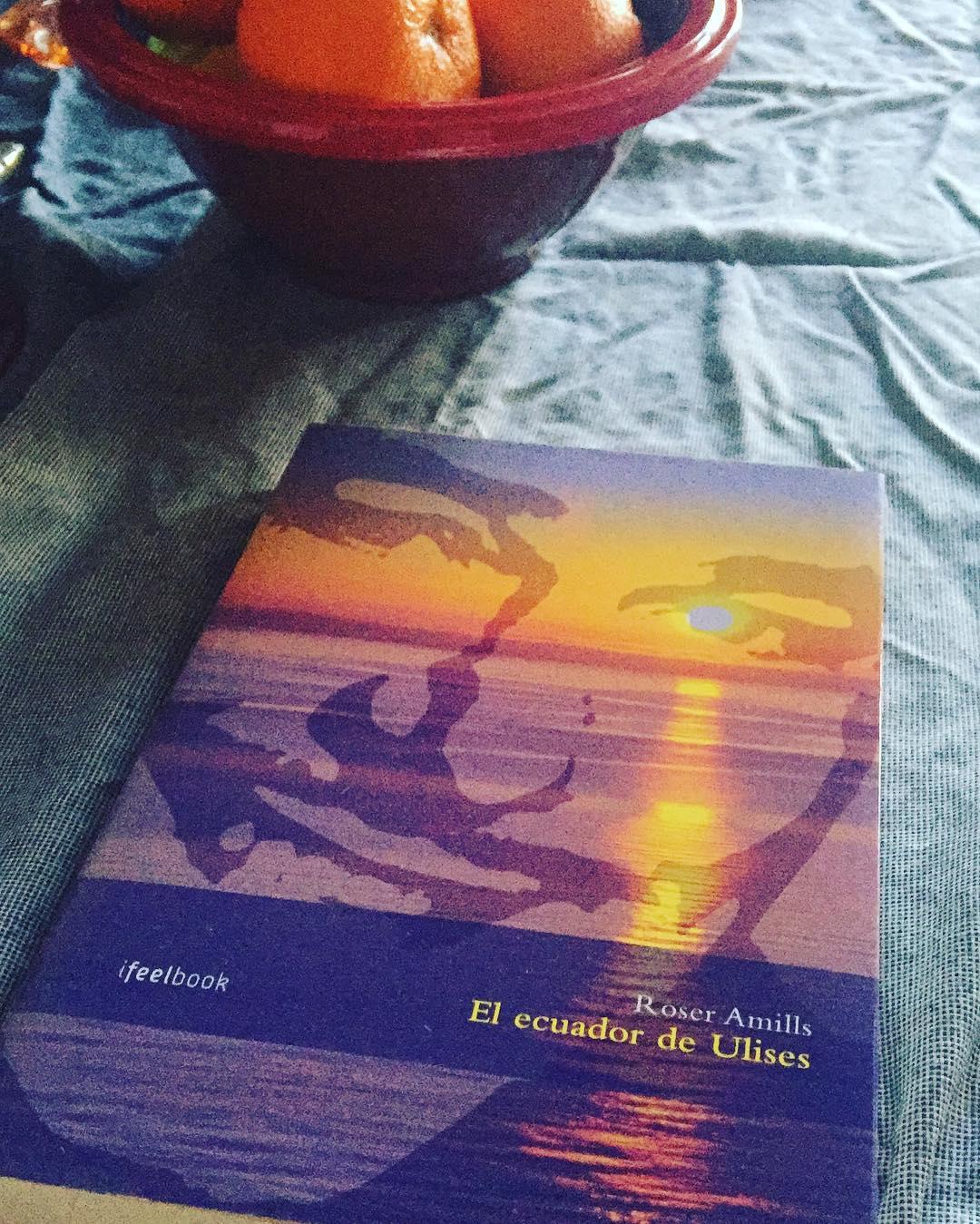 Esta tarde este ejemplar la novela #elecuadordeulises tendrá dueño lector con dedicatoria #regalalibros #leeressexy #errolflynn #mallorca