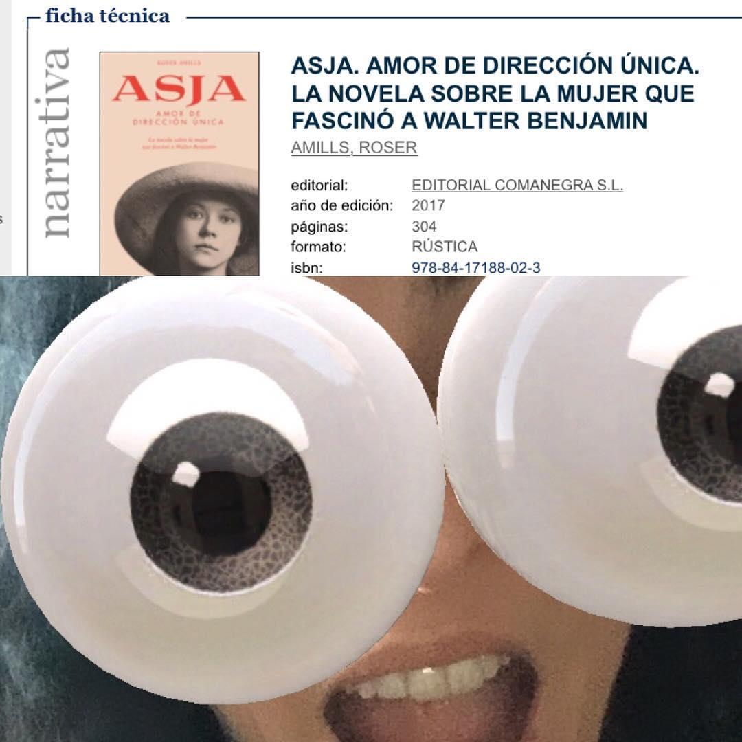 Atención! En la librería @llibrerialaie de Barcelona quedan unos cuantos ejemplares de Asja 📚 No está agotada, aún se la puedes pedir a los reyes magos de Oriente 🙋🏻😊 @comanegra
