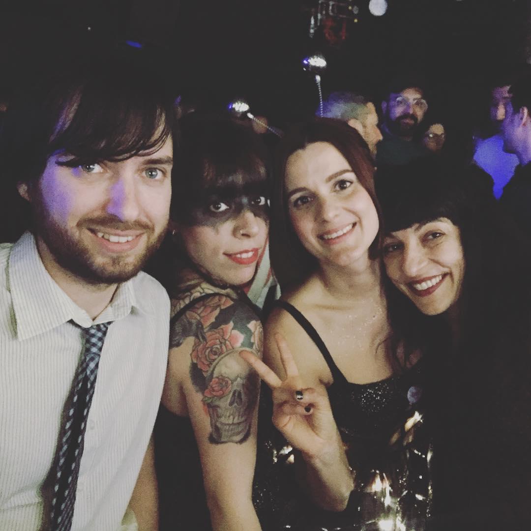 Acabo de conocer a los teloneros de @ladillarusa y me he enamorado. Son @lastopedramaticas y me encantan!