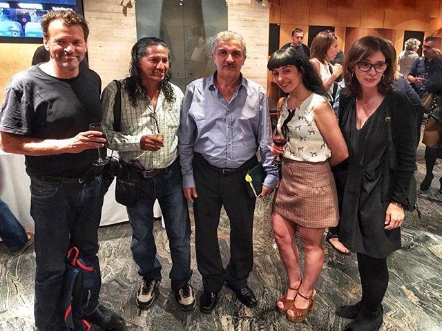 Ayer, lección de vida del #fixer #yaroubali y el fotógrafo #BernardinoHernández en la entrega de su #PremioMiguelGilMoreno. Gracias @DavidTrias #juanpablovillalobos, @Brurov, @AlvaroColomer y Patrocinio Macián. En la foto, de @phacus, los premiados, con @silvia_rual de @orbyce, y mi amor, @yvesuag :))