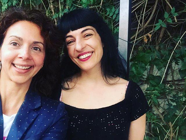 roser amills con Ana Lezcano, pronto podréis ver la entrevista sobre #asjalacis en @agente_k