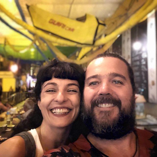Amb @tolo_ab de @perlesdegracia Un honorasso ser al sopar de veïns!! Meravellosa paella de @misterandreu 👏🏻👏🏻👏🏻👏🏻 Veniu, veïns!!! #perlesdegracia #carrerlaperla #fmgràcia