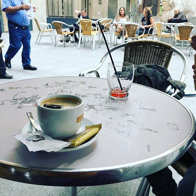 Cafè a Berga #coffee #addict #caffeine #yum #black #bestcoffee #needcoffee #coffeeislove #coffeeislife #coffeegram #coffeelover #coffeeaddict #coffeetime #coffeemug #onecupatatime #americano #instacoffee #expreso #amantedelcafe #instagood #coffeedate