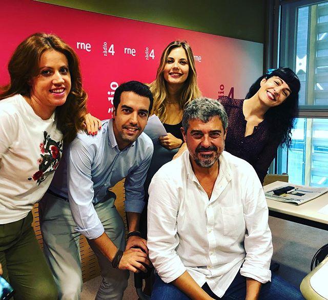Ens hem divertit molt de 10h a 10:30h a @son4dies de @GoyoPrados:amb @vanessa_hogarth @xavi_ok @julialopez_ro a @radio4_rne