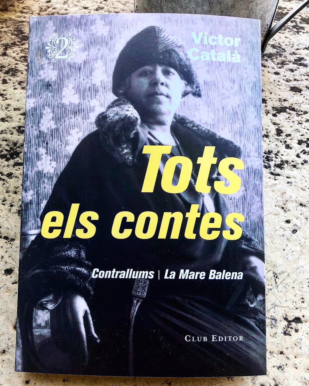 Bon dilluns!! És un luxe gaudir ja del segon volum de 'Tots els contes' de la Víctor Català #laVíctor #VíctorCatalà #Totselscontes #literaturacatalana #literaturauniversal #Novetat #14novembre @elclubeditor #mariabohigas