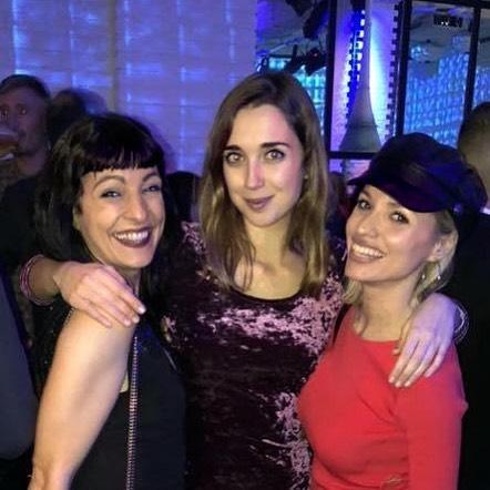roser amills amb @anna_cannoli i @carlalladooficial :)) Petons precioses!!! #showmustgoontv3