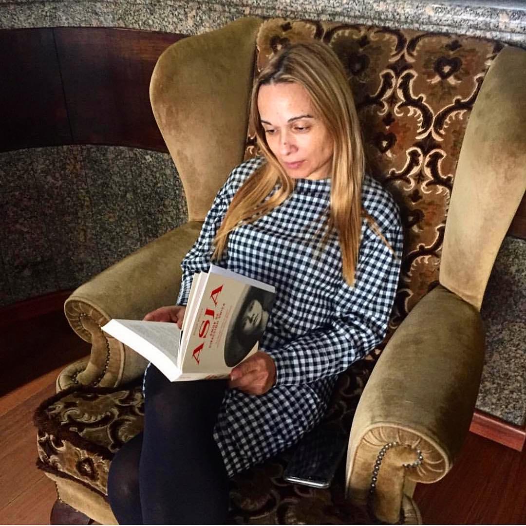 Un honor saber que @juliaponteceso ha estado con #asjalacis & #walterbenjamin este fin de semana! #📚#escritora #mallorquina #algaida #clubdelectura #llibres #libro #books #bookshop #libreria #llibreria #bestseller #leermola #leeressexy #lecturas #booklover #bookstagram #cultura #regalalibros #regalallibres #mallorcainspira