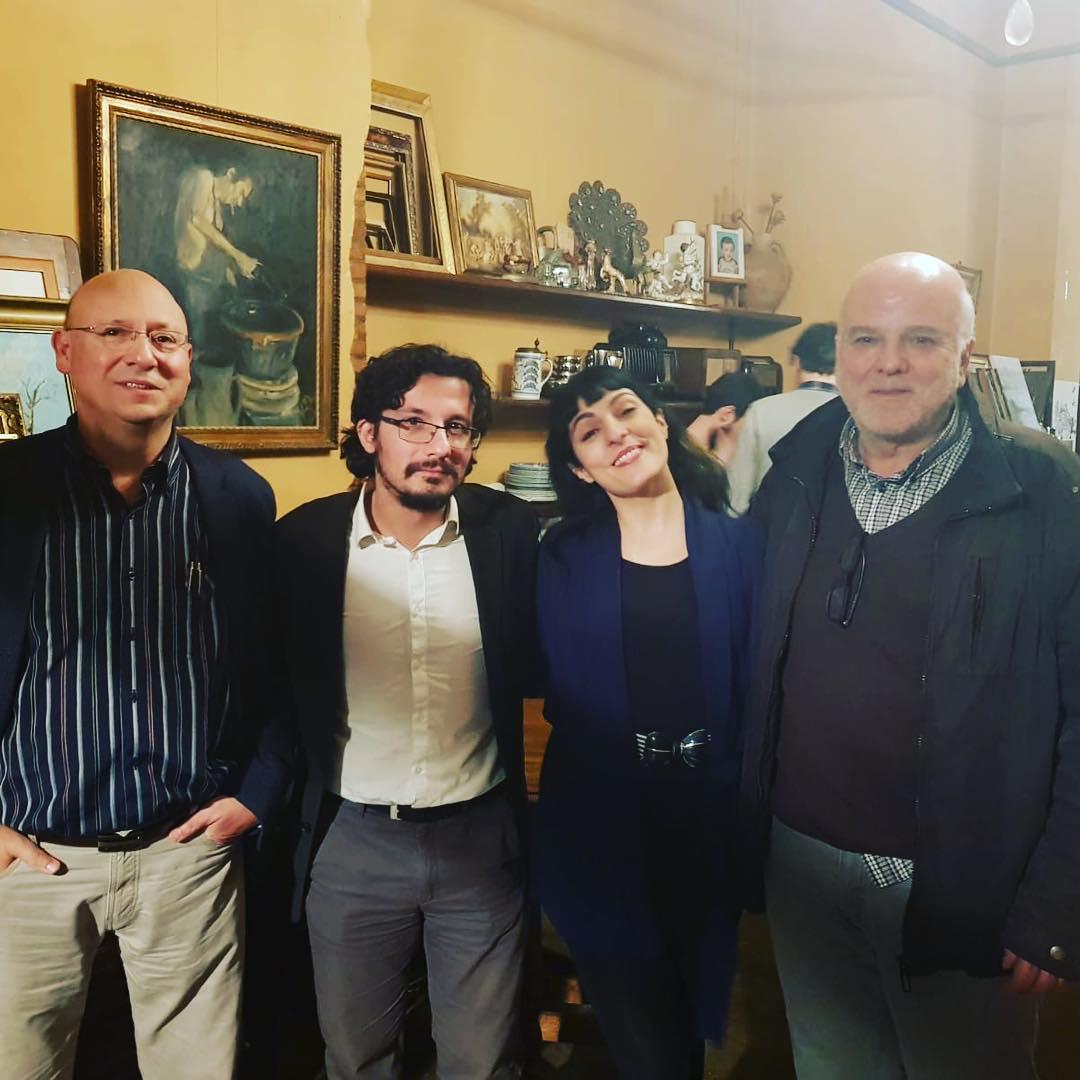 Meravellós cafè filosòfic amb #WalterBenjamin i #asjalacis entre tres: @ENRICUMBERT (@Ed_62), Àlex Chico (@EdCandaya) i @roseramills (@Comanegra). A Esplugues. 👉 Divendres 22 👉 A les 19h 👉 El Cau de les Arts