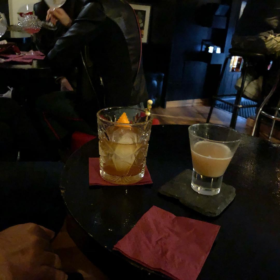 #cocktail 🥃 #oldfashioned #oldfashionedcocktailbar #cocktails #drinks #bartenderslife #barman #bcn #enjoy #lovemyjob #lovemylife