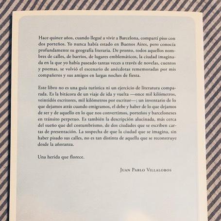 Nuestra antología tiene una deliciosa contraportada de @VillalobosJPe y un diez de edición de los editores de @Trampaediciones #barcelonabuenosaires #oncemilkilometros ✈️