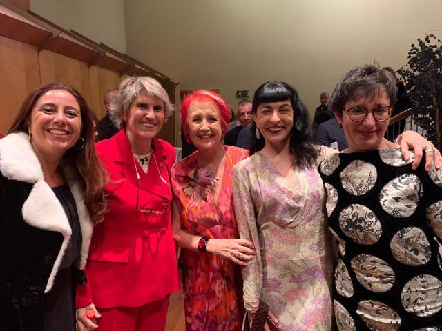 Gala de los Premios Ondas 2019, Roser Amills en el Foyer del Liceu con Belén Marrón, Rosa Maria Calaf, Las Pepitas BCN y Adria Bas