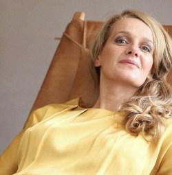 Claire Davies, dissenyadora i periodista