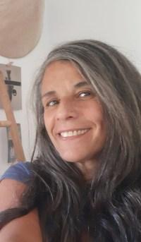 Nora Almada, poeta, arquitecta i docent de llengua i literatura