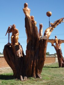 Chain Saw sculptures at Campbell Town Tasmania