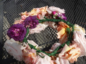 May day rose crown 003