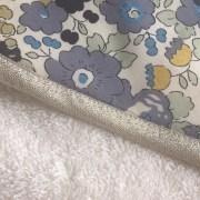 sortie de bain bebe personnalise fait main betsy verveine roses et confettis 2