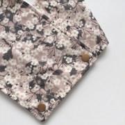 echarpes-polaires-modele-fille-roses-et-confettis-liberty-betsy-nougat-2