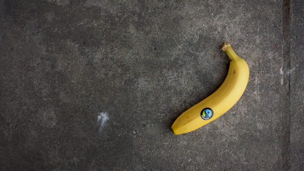 Fair trade vs organic, banana with Fairtrade mark