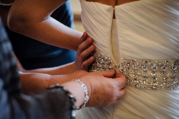 Wedding Dress How Does Your Bride Choose Her Wedding Dress