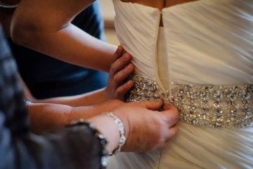 Wedding Dress:Photographers_Gray_Photography