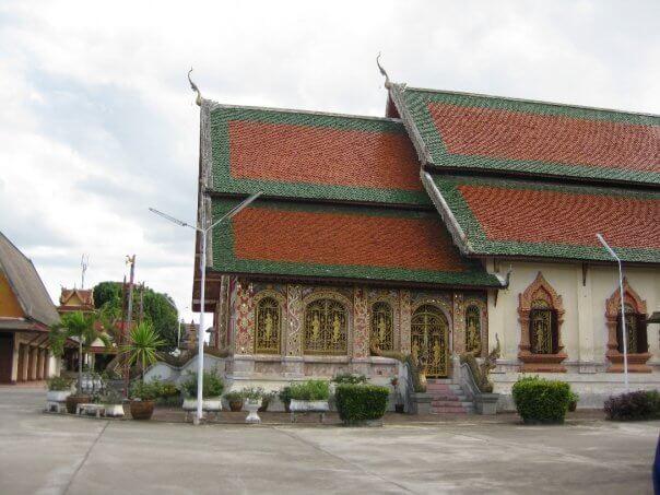 Templos en Tailandia, pero que podrían ser perfectamente de Laos...