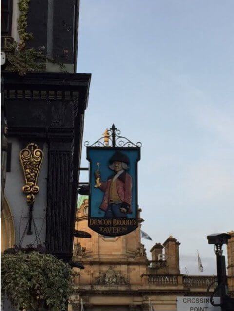 Deacon Brodie pub. Edimburgo.