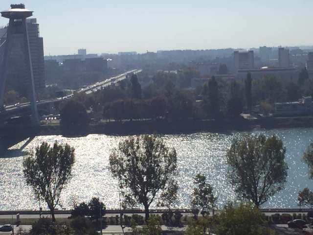 Bratislava, Escapada desde Viena