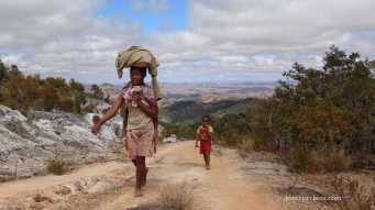 "Mother and Child on the way to ""rush site"" near Ambatondrazaka, October 2016"