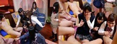 全裸フルチンの男たちと制服JK