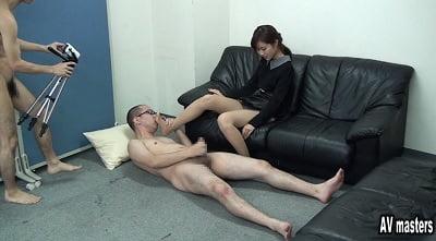 女性の足のにおいを嗅ぎながらセンズリ