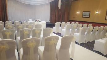 Ivory and white ceremony