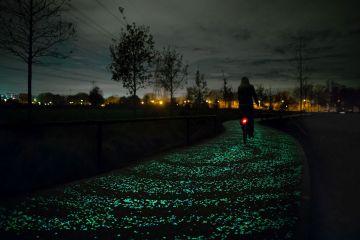 Świecąca ścieżka rowerowa  - coś pięknego! [VIDEO]