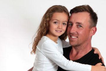 Córeczka tatusia - jaki wpływ na życie córki ma ojciec?