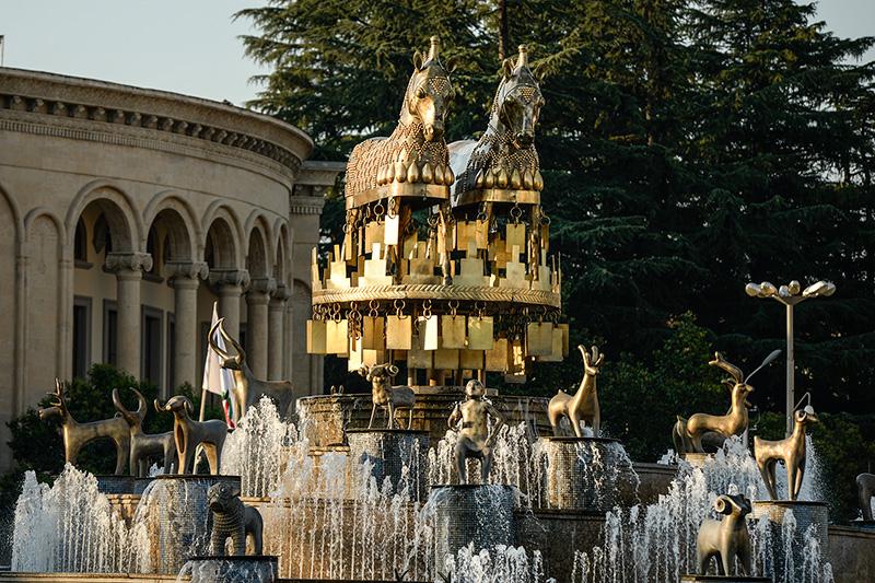fontanna w Kutaisi w Gruzji