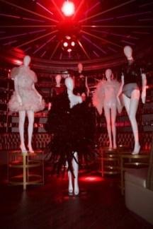 After Show on aura tout vu couture ss16 Queen club photos Olesya Okuneva (3)