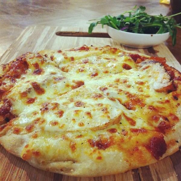 Balsamic chicken & mango chutney pizza