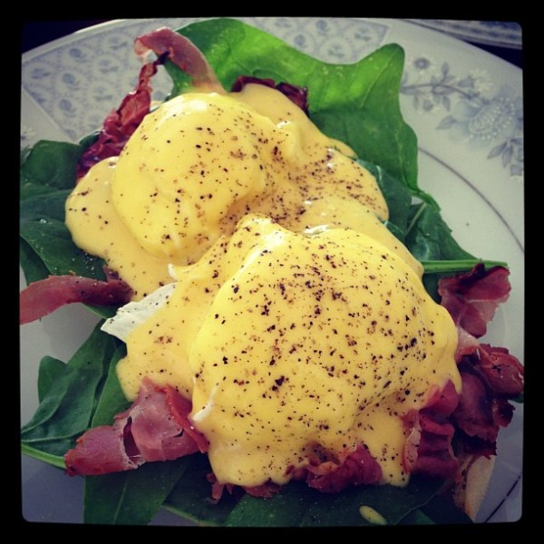 Eggs Benedict with crispy pancetta