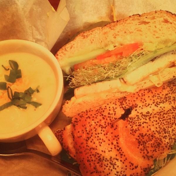 Garden Burger & mini soup