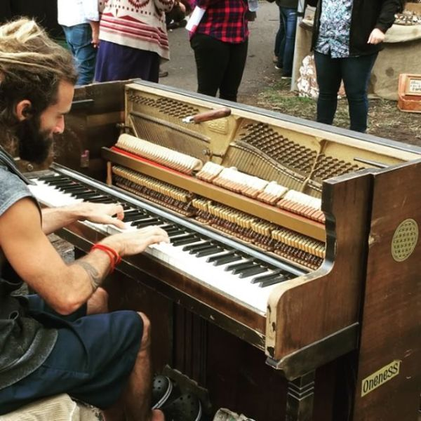 'Evolving Rhythms' piano busker
