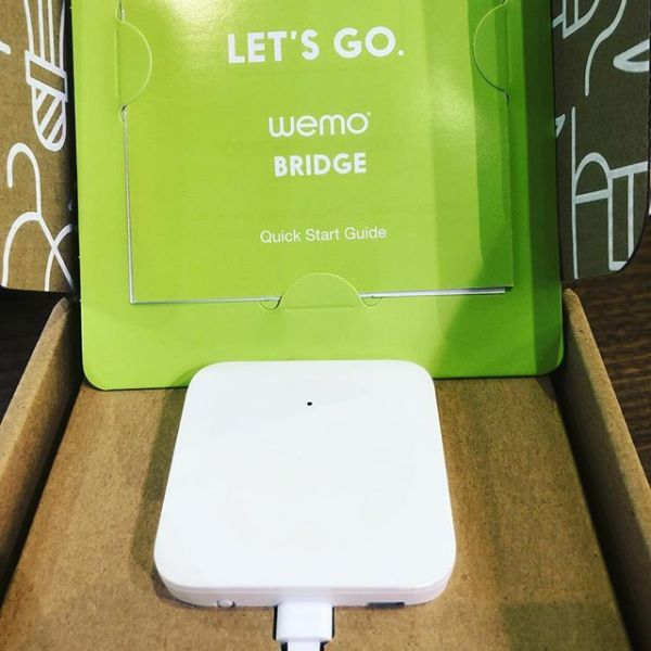 My Wemo Bridge has arrive from Amazon... now Siri can turn the lights on... @wemo @amazon