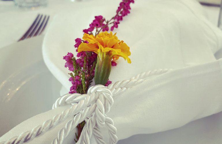 Servietten mit Blumen