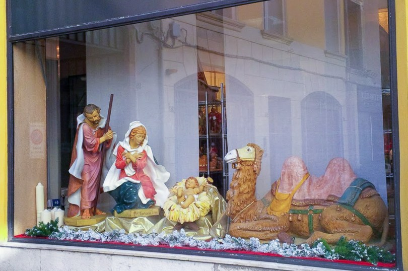A large Nativity Scenes adorns a shop window in the historic centre - Vicenza, Italy - rossiwrites.com