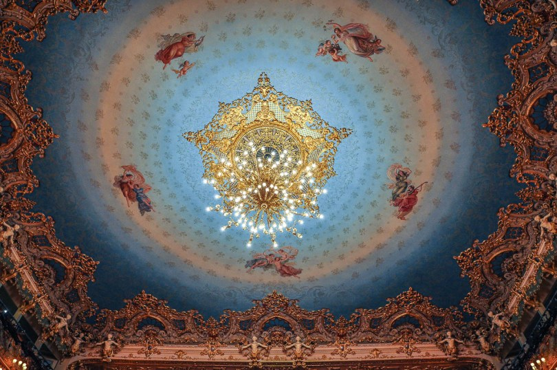 The chandelier and the ceiling - La Fenice Opera House in Venice, Italy - www.rossiwrites.com