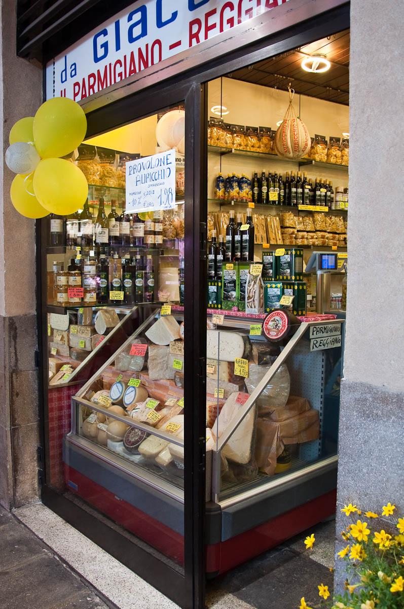 Cheese shop on the ground floor of Palazzo della Ragione, Piazza delle Erbe, Padua, Italy - www.rossiwrites.com