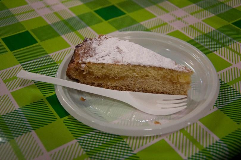 Lemon cake, Pea Festival, Sagra dei Bisi, Lumignano, Veneto, Italy - www.rossiwrites.com