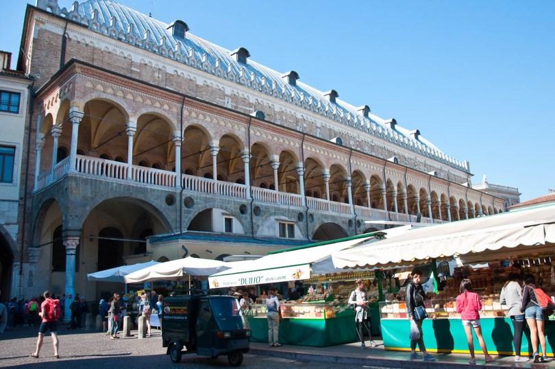 The Marketplace with Palazzo della Ragione, Piazza della Fruta, Padua, Italy - www.rossiwrites.com