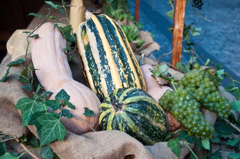 Stall decoration, Mediaevil Fair, Castelfranco Veneto, Italy - www.rossiwrites.com