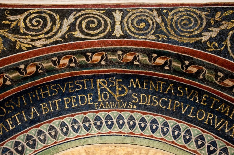A close-up of an arch - Mosaics, The Orthodox Baptistery of Neon - Ravenna, Emilia Romagna, Italy - www.rossiwrites.com