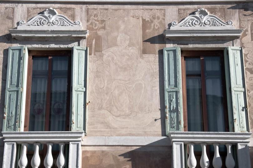 Faded frescoes - Chioggia, Veneto, Italy - www.rossiwrites.com