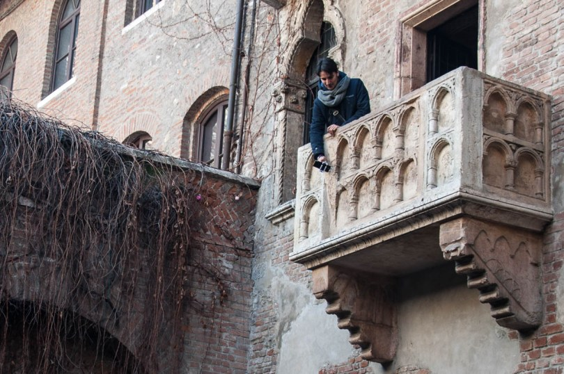 Taking a selfie on Juliet's balcony - Juliet's House, Verona, Italy - www.rossiwrites.com